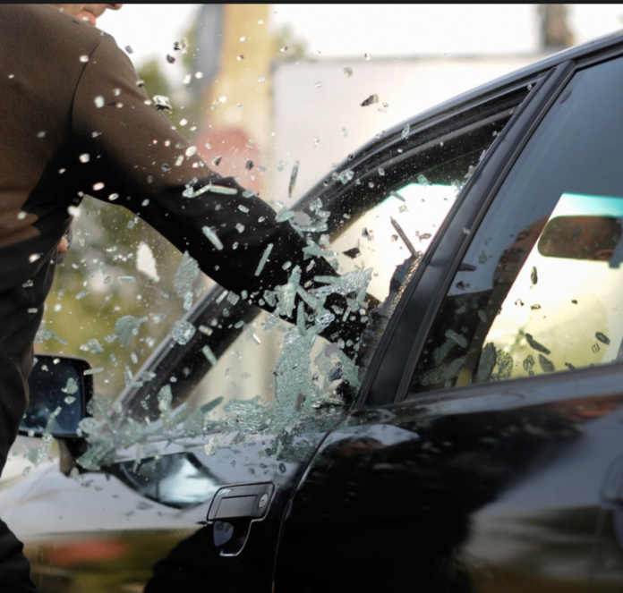 Técnicas de robo que practican quienes roban autos